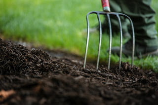 Commercial Landscaping Mulch Mulching Pitch Fork