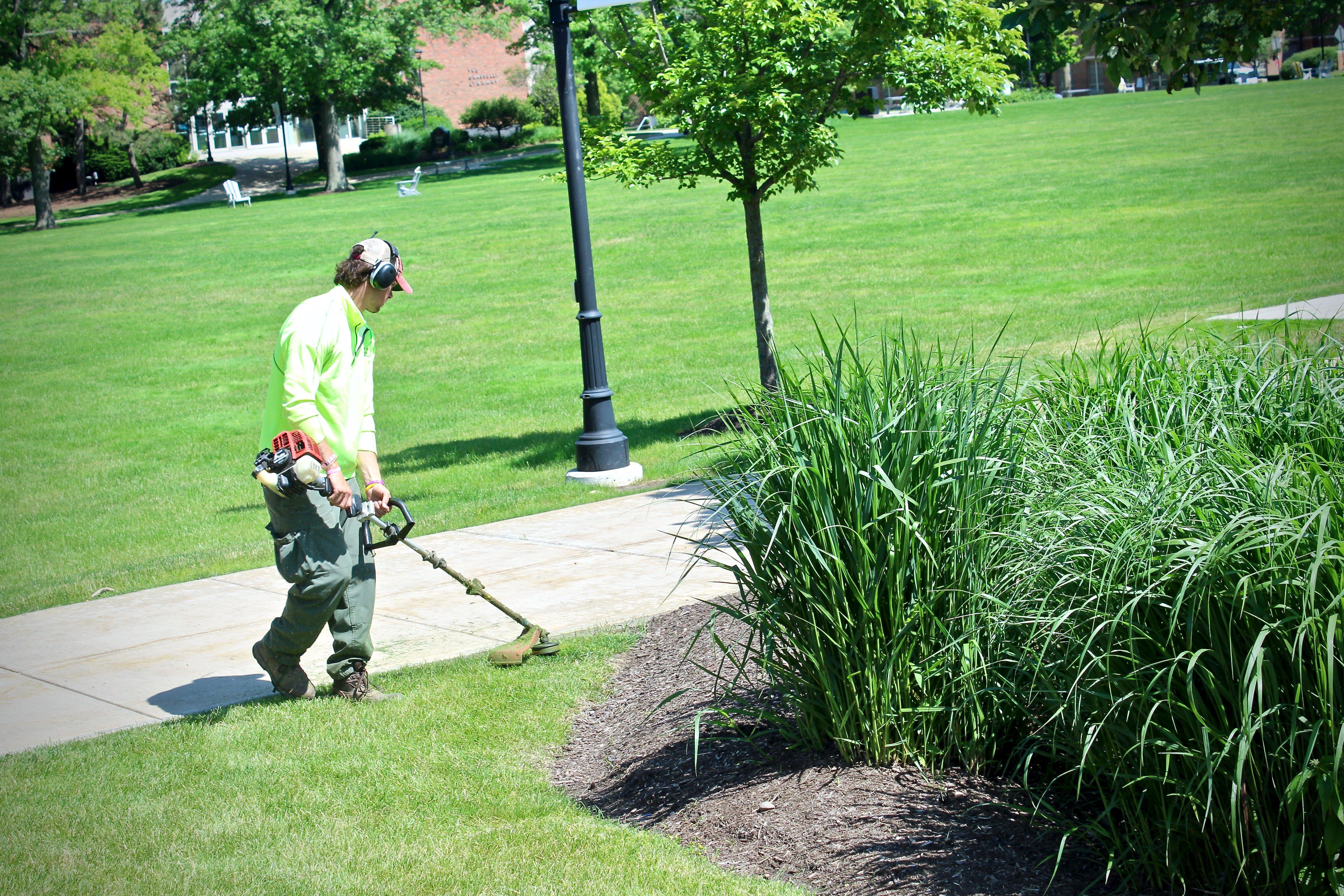 Lawn Maintenance Employee