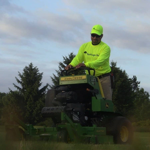 commercial grounds maintenance mower