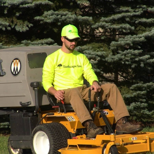 commercial grounds maintenance riding mower