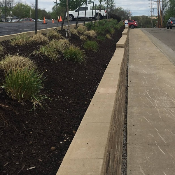 commercial landscaping retaining wall