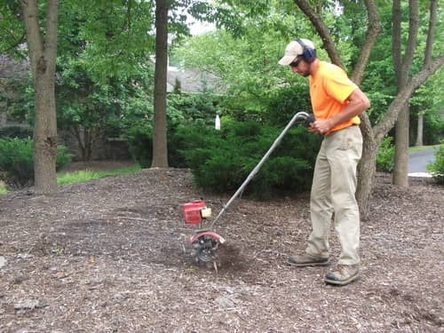 Freshen Up Your Planting Beds with Mulch Cultivation
